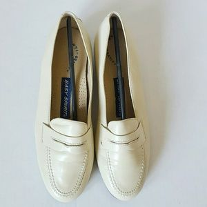Easy Spirit winter white classic loafers.
